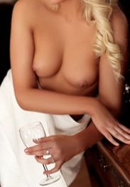 Sara 22 years old, blonde, slim, cute but wild!